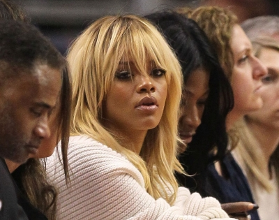 Rihanna Goes Blond